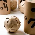 医療用のボックスがサッカーボールに。